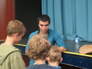 Will Stevens speaking with students who attended his public lecture